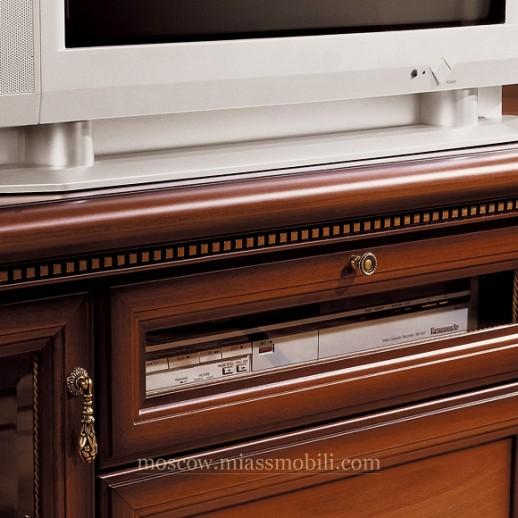 Тумба ТВ со стеклянными дверками