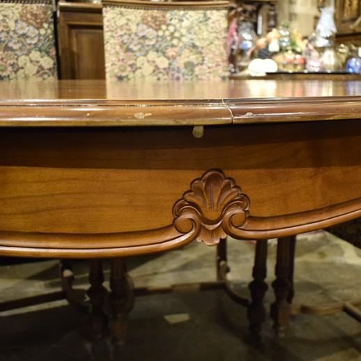 Стол овальный в стиле Луи XV