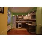 Угловая модельная кухня «Кареглазка» с козырьком подсветки