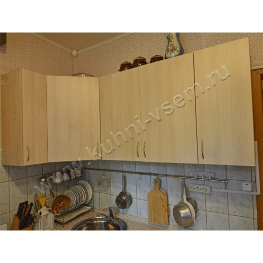 Маленькая угловая кухня из ДСП цвета «Дуб Шамони»
