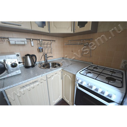 Компактная угловая кухня из МДФ в пленке ПВХ цвета «Дуб Лисса»