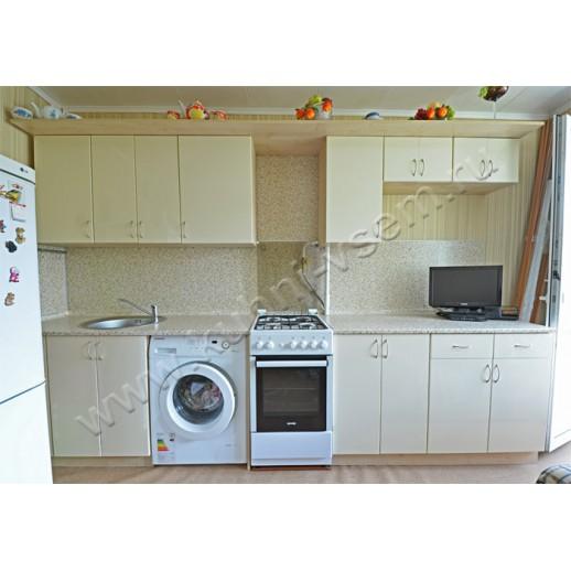 Прямая кухня из пластика со стиральной машиной. Цвет фасада: «Нежно-сливочный»