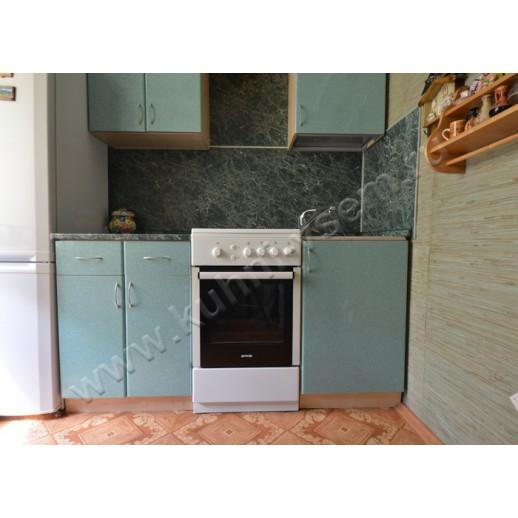 Маленькая прямая кухня из пластика, цвет «Камень зеленый»